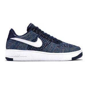 Nike Air Force 1 Flyknit Sneakers